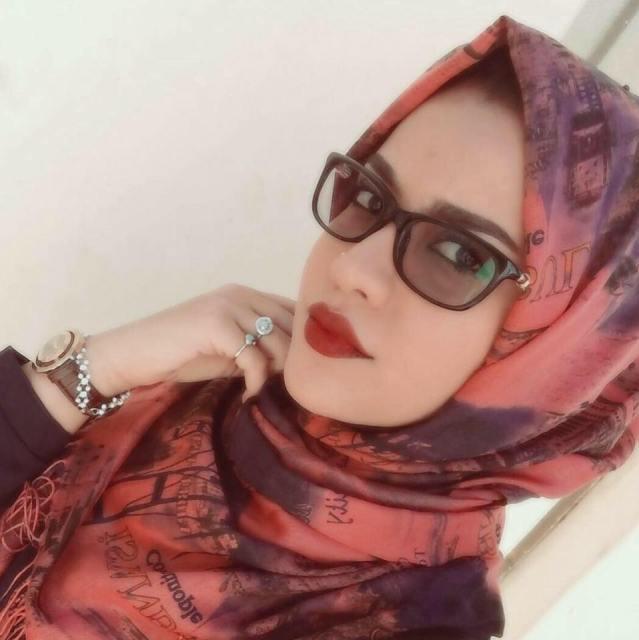 """صورة الحسناء السودانية """"لوشي"""" بالحجاب تسعد أكثر من ألف شخص في 10 ساعات فقط وأصدقائها ينصحونها بالمحافظة عليه"""