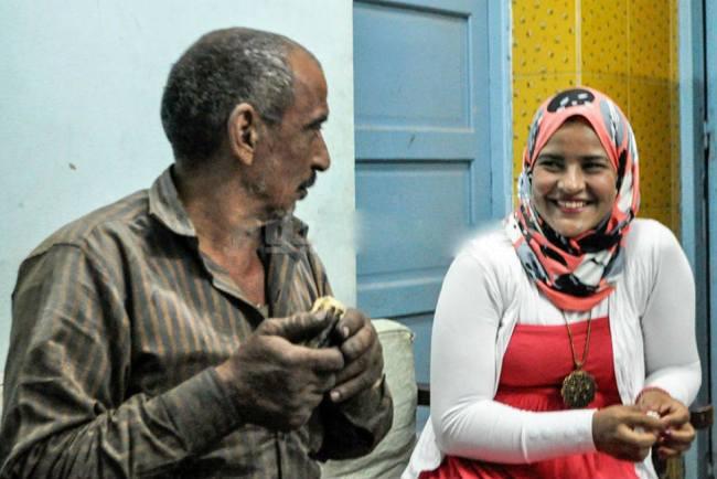 هل تتخيل ماهي مهنة هذه الفتاة المصرية ميكانيكي سيارة - -
