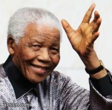 جنوب أفريقيا : مانديلا لم يفقد وظائفه