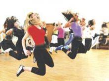 (الزومبا) الراقصة تكتسح صالات الألعاب الرياضة