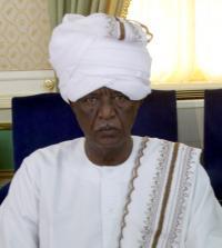 بنت وزير التجارة السوداني تعمل في مكتبه وتمثل الوزارة في مناشط ومؤتمرات (داخلية) وخارجية