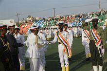 البشير يصدر قرارا بمنح الطلاب الأوائل المتخرجين من الكلية البحرية وسام التفوق من الطبقة الأولى