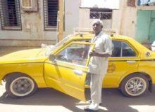 سائق تاكسي يعيد مبلغ (118) الف جنيه لصاحبه والنقابة تشيد بأمانته