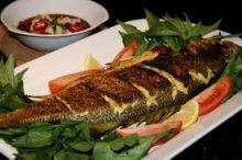 دراسة: تناول السمك يقلل من اكتئاب المرأة