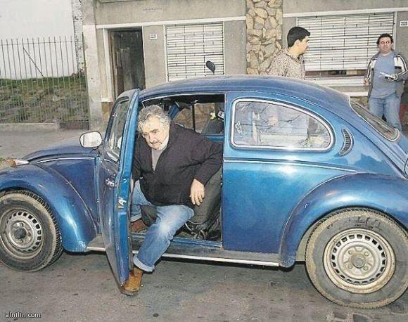أفقر رئيس في العالم رئيس الاورغواي خوسي موخيكا