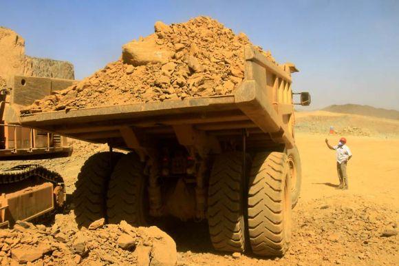 التنقيب عن الذهب بمنطقة ارياب بشرق السودان
