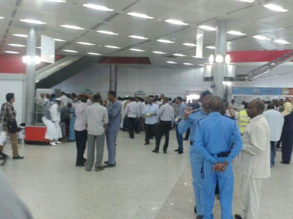 هرج ومرج بمطار الخرطوم يعطل حركة الملاحة الجوية لساعات