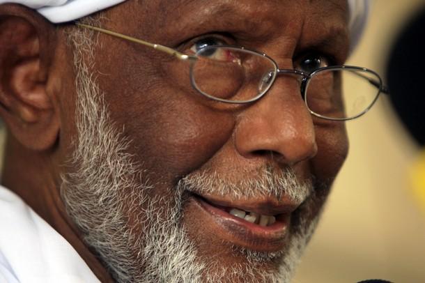 الحكومة السودانية: الترابي اعتقل لاثارته أمورا تؤدي للانقسامات