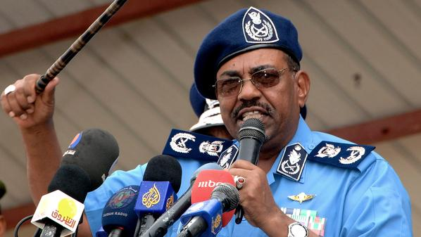 البشير يوجِّه بحماية الشرطة لأداء واجباتها