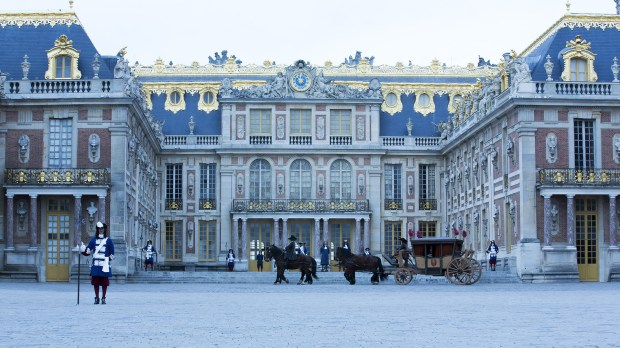 versailles-horses-carriage-guards-1