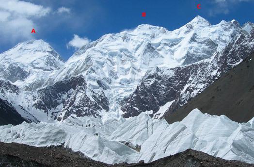 3d Pyramid Wallpaper Italians Climb Chinese Face Of Gasherbrum Ii Alpinist Com