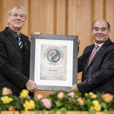 Raji Premio Nobel