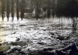 Eisgang 1956 mit Anwesen Becker