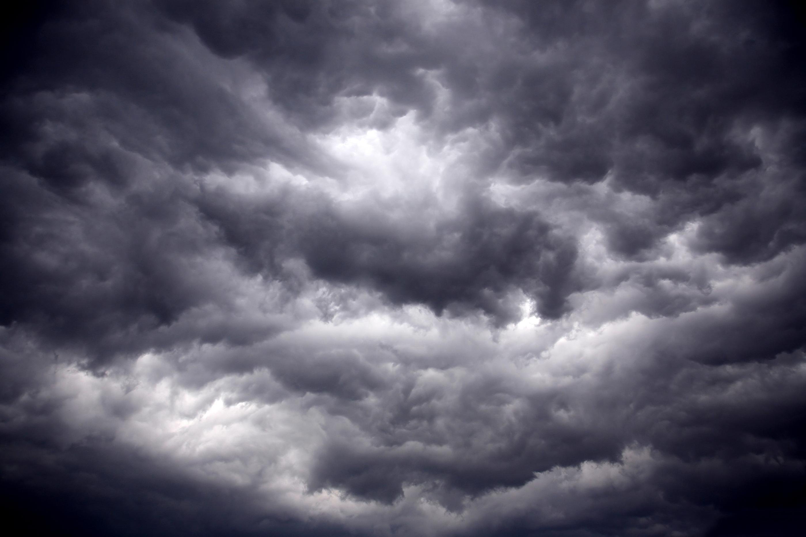 Team Sky Iphone Wallpaper Heavy Gale Black Stormy Clouds Altigen