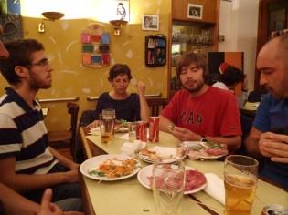 "Essen und alkoholfreie Getränke in der ""Bar della Crocetta"" in Mailand"