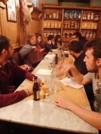 Essen und alkoholfreie Getränke mit den Ultimi Rimasti Lebowski in Florenz