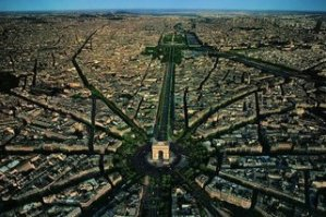 Haussmann'ın planladığı ve günümüze kadar gelen Paris kenti.