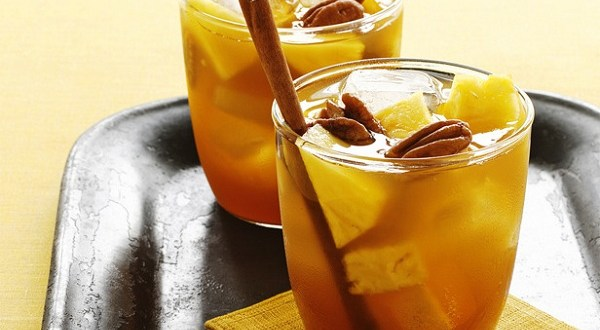 Pumpkin punch with cinnamon-infused rum - Always Foodie
