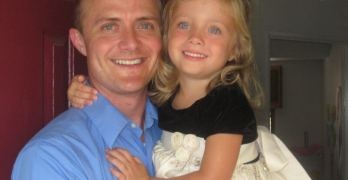 Jason Manthe y su pequeña hija Foto: Facebook