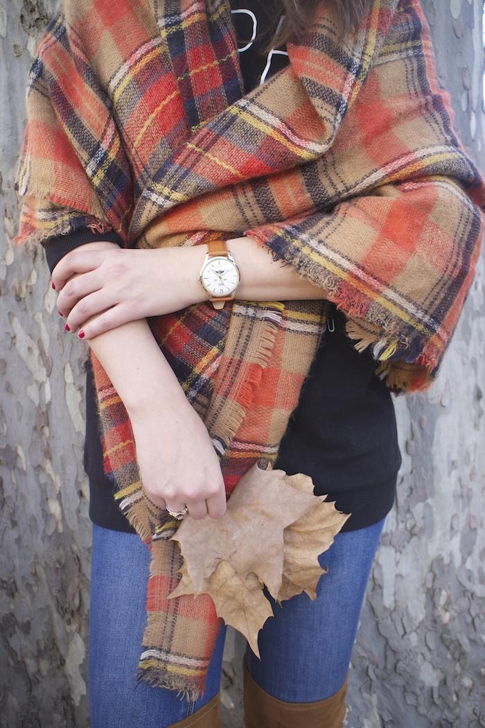 embajadora-henry-london-look-jeans-pasmina-cuadros-paula-fraile-amaras-la-moda8