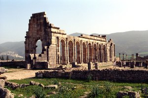 excursion-a-volubilis-mulay-idris-y-meknes-viajes-amazigh-marruecos-1