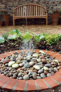 17 exemples de fontaines pour votre jardin et votre terrasse