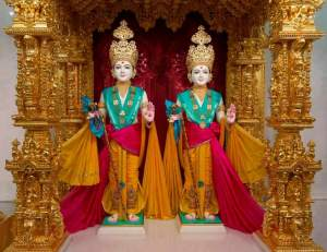 Newly consecrated murt-Bhagwan Swaminarayan and Gunatitanand Swami (Courtesy of BAPS)
