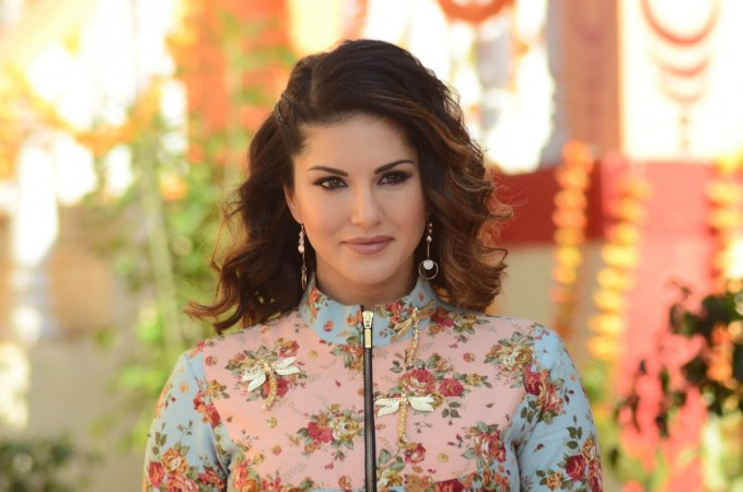 Sunny Leone takes sweet revenge for 'snake' prank, shares video