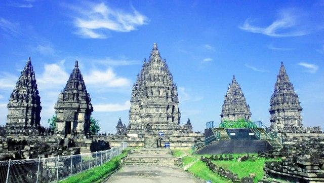 candi prambanan Professional Exotic Yogyakarta Tourism Packages amerta edutravel