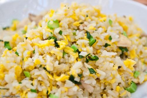 arroz frito con camarones y vegetales