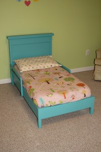 Ana White   Traditional Toddler Bed with Rustic Headboard ...
