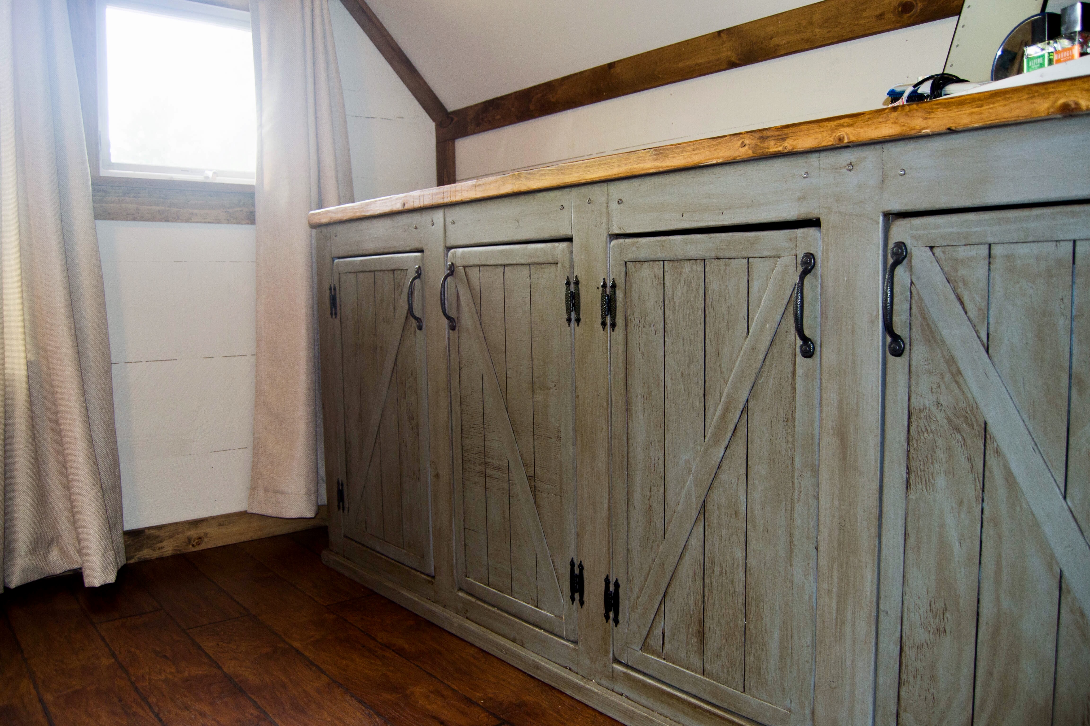 Ana White Scrapped The Sliding Barn Doors Rustic
