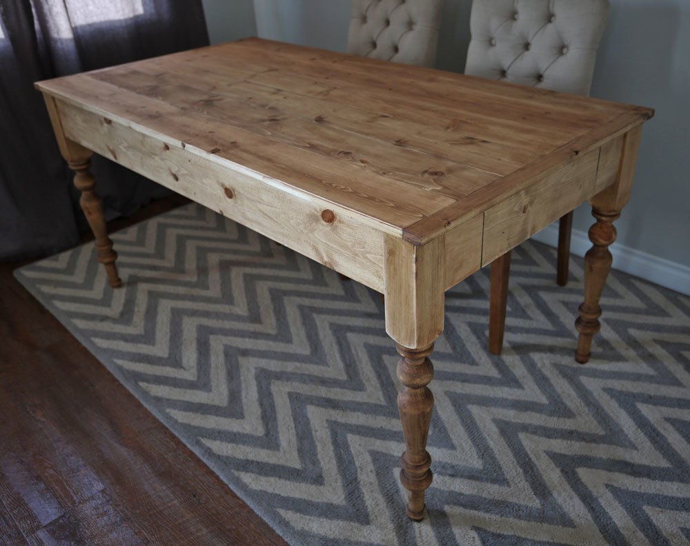 Ana White Small Old English Style Farmhouse Dining Table