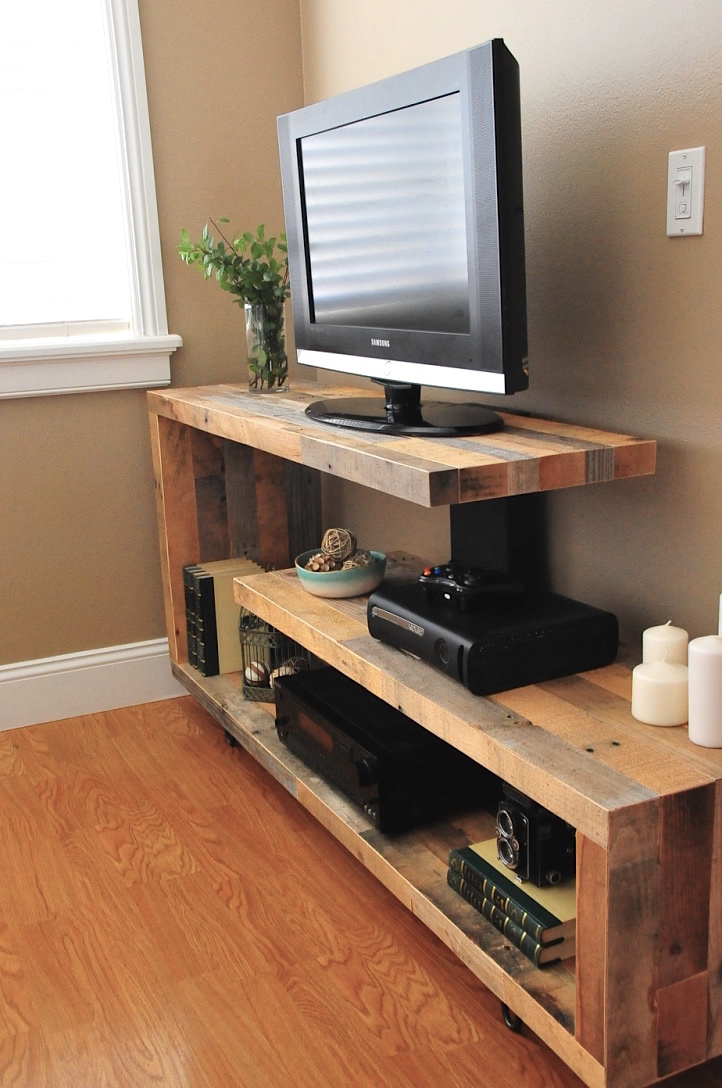 17 DIY Entertainment Center Ideas and Designs For Your New Home - faire un meuble de cuisine soi meme