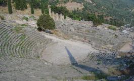 Delfos ciudad de templos y adivinas