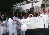 Protestan en el Hospital JM de los Ríos por falta de insumos