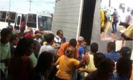 En San Félix saquearon un camión de Alimentos Polar