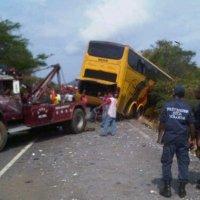 Al menos 11 muertos y 14 lesionados dejó accidente en Bolívar