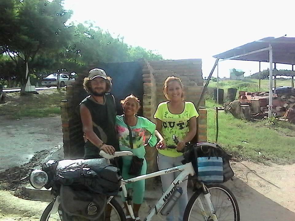 Con esta foto me despido junto a estas amigas #Venezolanas que fueron la excelencia de la alegría, del buen compartir, del cuidado y de las buena dádivas. Pues me brindaron todo lo que tenían a su alcance, mas alla de sus propios recursos.