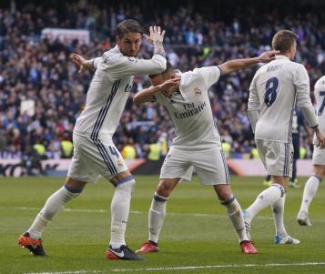 Sergio Ramos vuelve a sacar de aprietos a un flojo Real Madrid