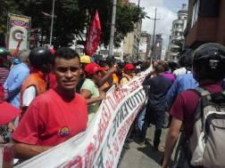 """Simpatizantes del Gobierno llaman """"traidora"""" a la Fiscal desde tarima frente al Ministerio Público / Foto: Mariana Souquett"""
