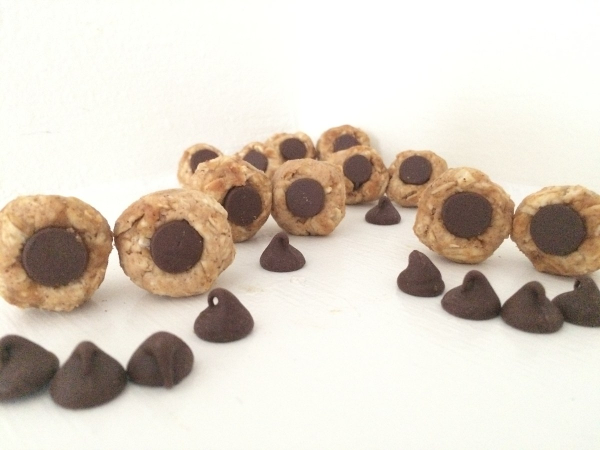 """Double PB and Chocolate Chip Protein """"Eye"""" Balls"""