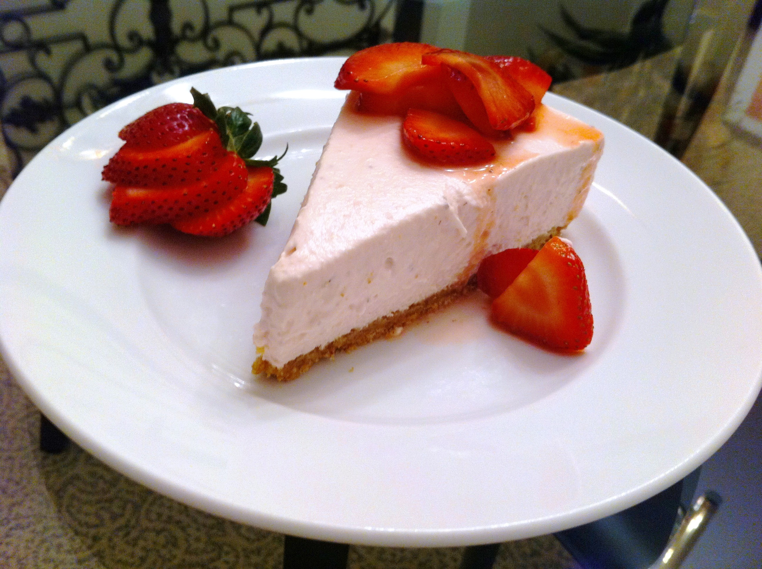 No Bake Strawberry Cheese Cake - Andicakes