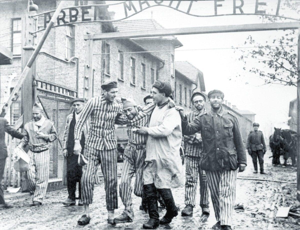Il primo reportage su Auschwitz (prima della versione ufficiale)