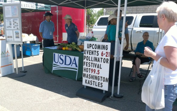 An announcement of upcoming events at the USDA Farmers Market in Washington, D.C. (Photo by Andrea Kenner)