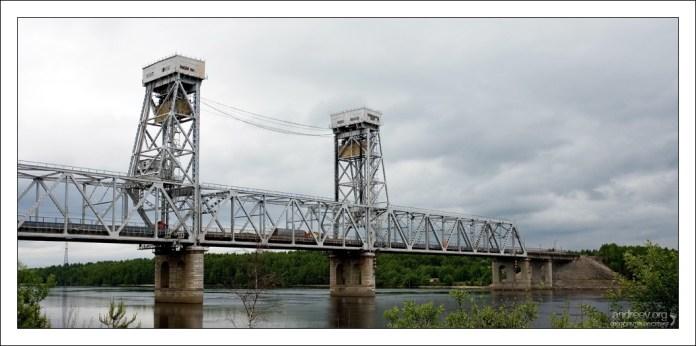 Мост через реку Свирь в районе Лодейного поля.