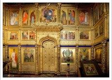Иконостас в Благовещенской церкви монастыря.