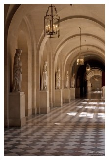 Галерея дворца.