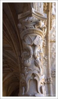 В учебниках по истории искусств все эти позднеготические звери и канаты именуются стилем «мануэлино». Монастырь Жеронимуш.