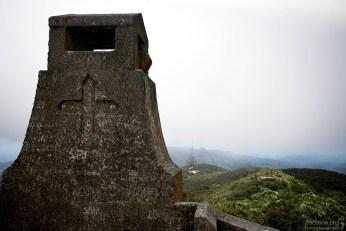 Вершина El Yunque Peak и старая обзорная площадка.